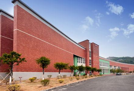 吉林大学珠海学院2012-2013年教师招聘之校园风光图片